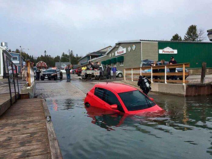 Condutora caiu em lago após seguir instruções do GPS