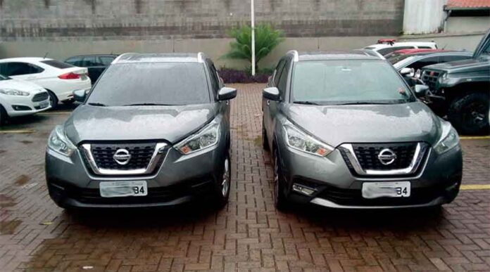 trocar a placa de carro clonado