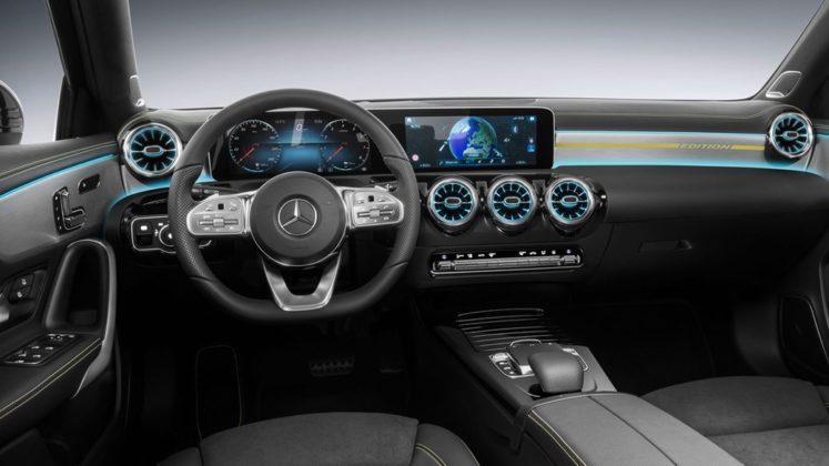 Mercedes Benz Revelou Interior do Novo Classe A (A-Class) 1