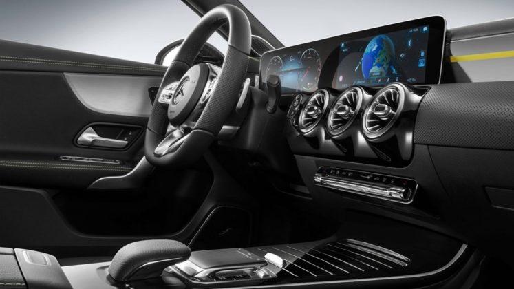 Mercedes Benz Revelou Interior do Novo Classe A (A-Class) 2