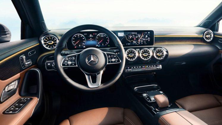 Mercedes Benz Revelou Interior do Novo Classe A (A-Class) 7