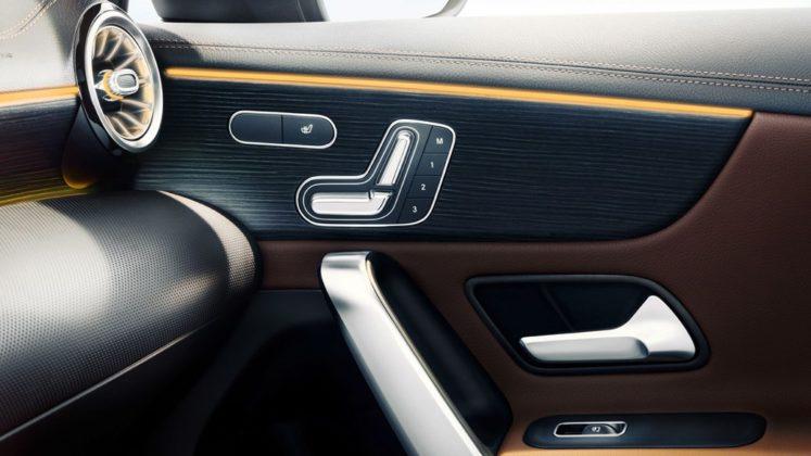Mercedes Benz Revelou Interior do Novo Classe A (A-Class) 10