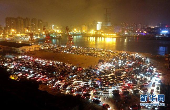 Engarrafamento na China com mais de 10 mil carros 4