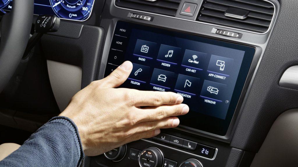 VW lança Novo Passat 2018 com Central Multimídia Controlada por Gestos 2