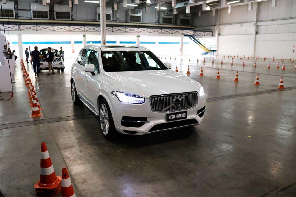 Salão em SP tem Test Drive de BMW i3, Porsche Cayenne Hybrid e Renault Twizy 1